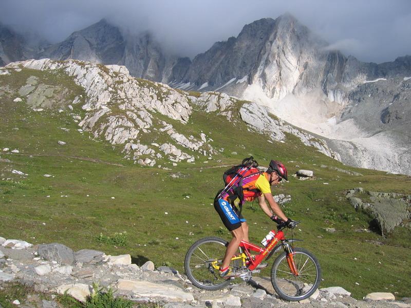 bike-and-hike-eisjochl-2895m-a-hohe-wilde-3480m